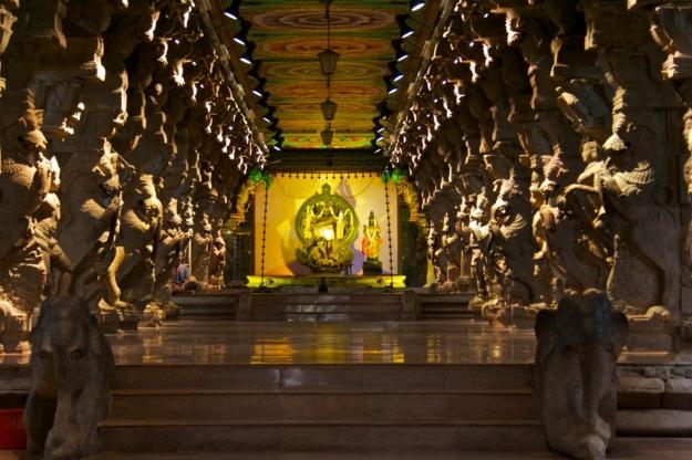 Meenakshi temple 1000 pillar hall